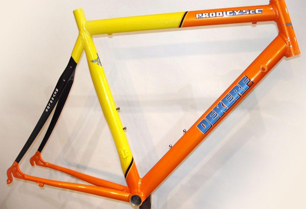 paint_orange-yellow-black1
